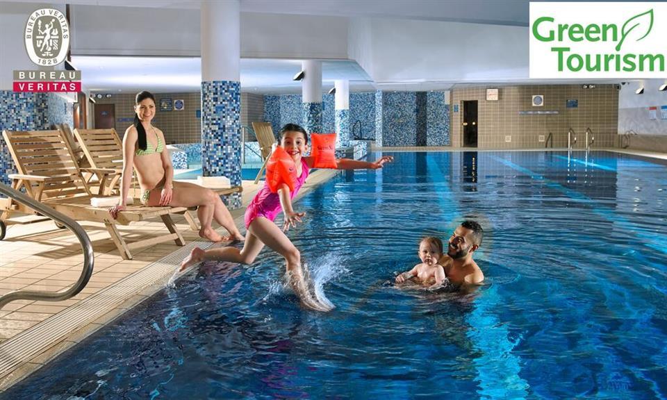 Clayton Hotel Cardifflane Swimming Pool