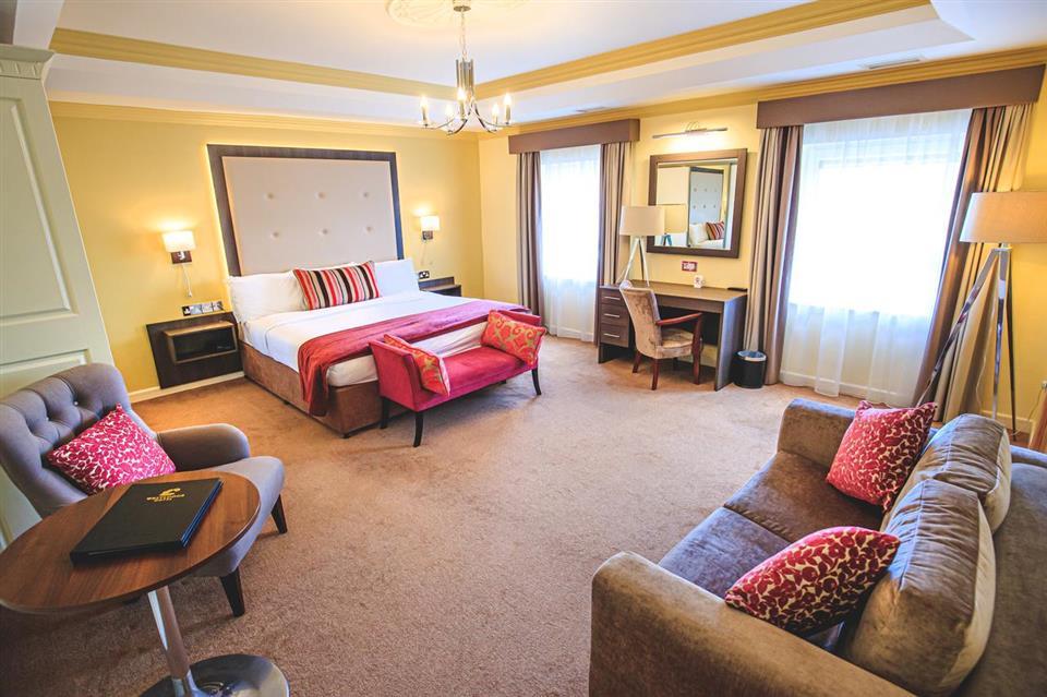 Westlodge Hotel Suite