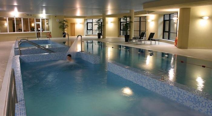 Amber Springs Hotel pool