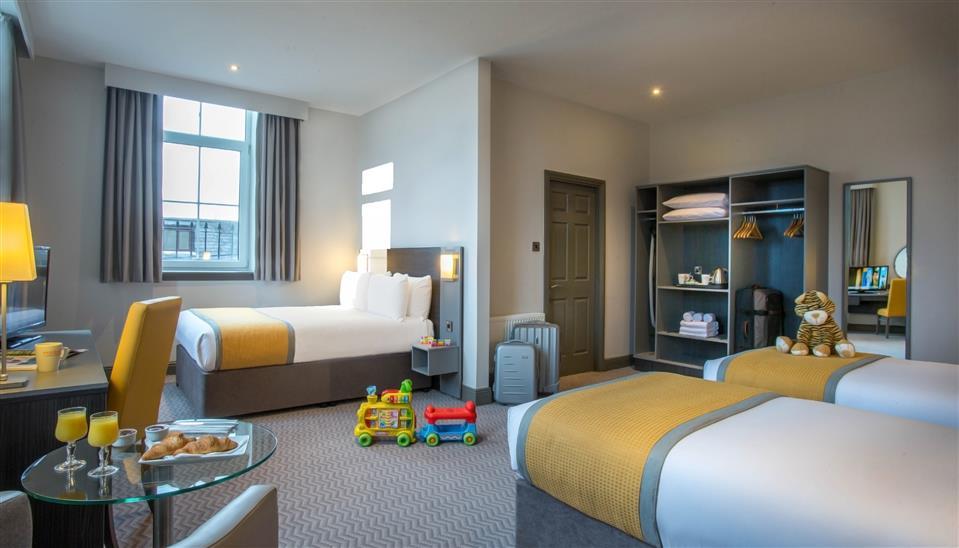 Maldron Hotel Shandon Family Room