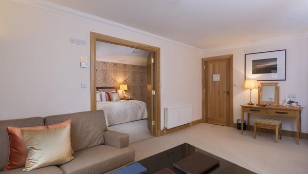 Delphi Mountain Resort bedroom