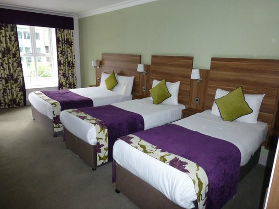 Maldron Hotel Galway Triple Room