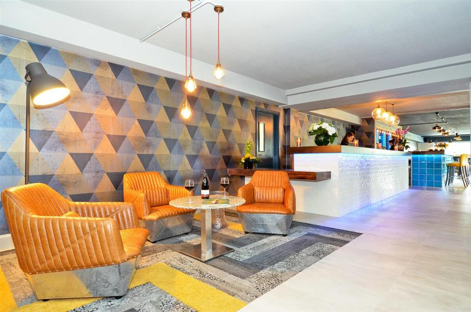 Nox Hotel Lobby