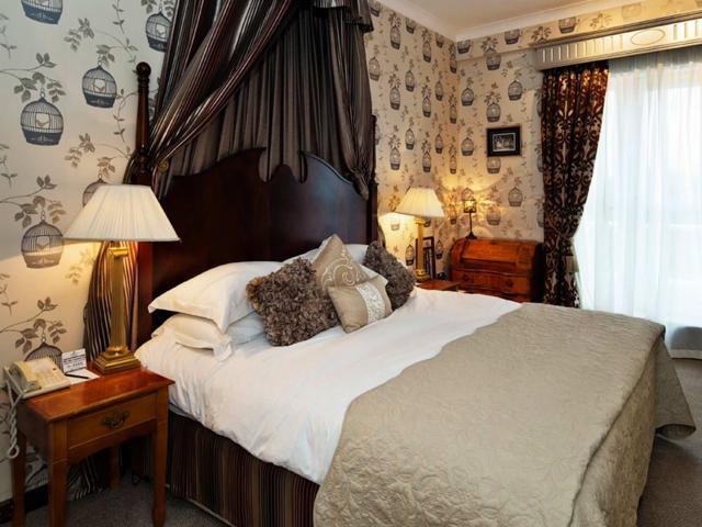 Fitzpatrick Hotel Bedroom