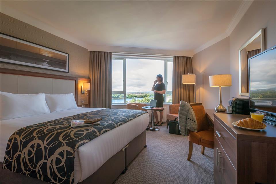 Clayton Hotel Silver Springs Executive Bedroom