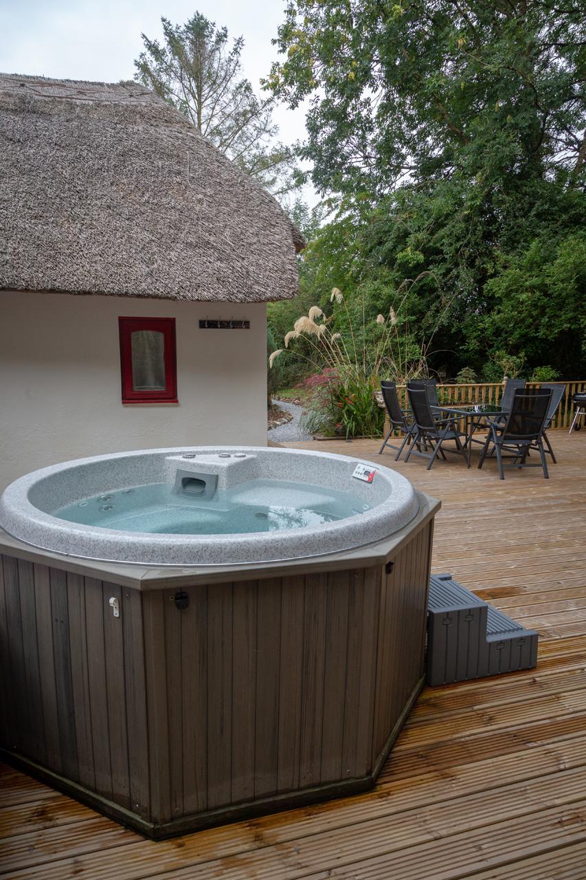 cottage mary rose hot tub