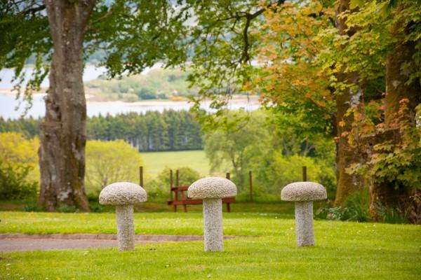 Abhainn Ri Cottages garden