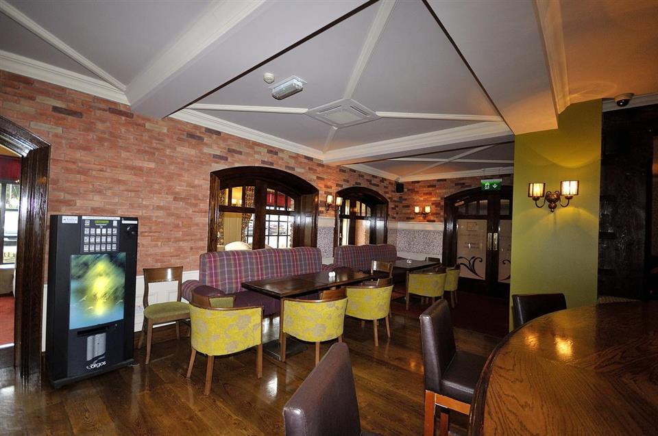 Mulroy Woods Hotel Bar