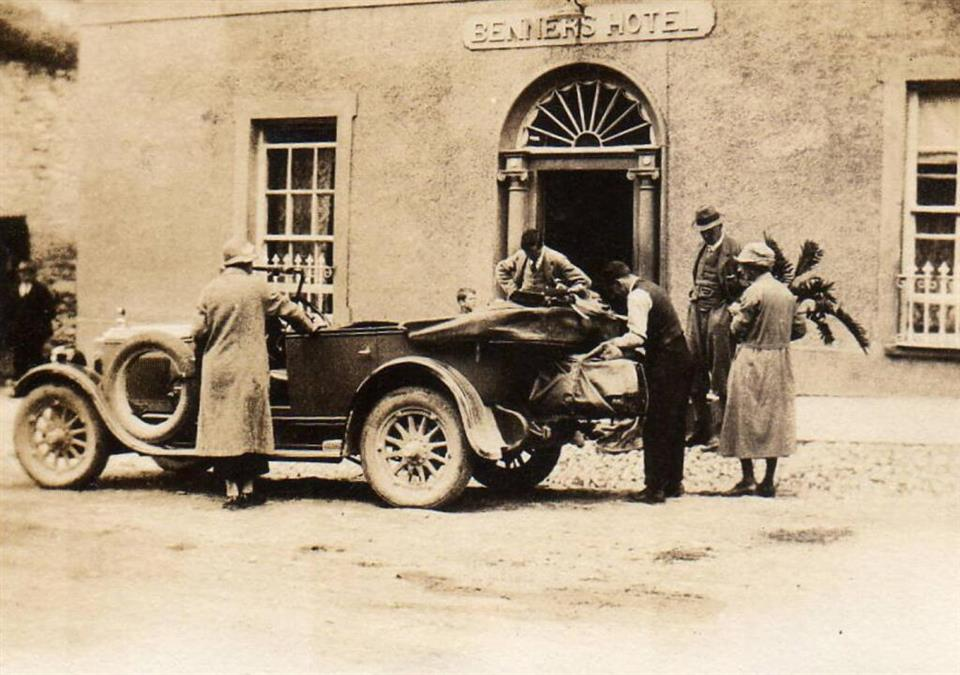 Dingle Benners Hotel - History