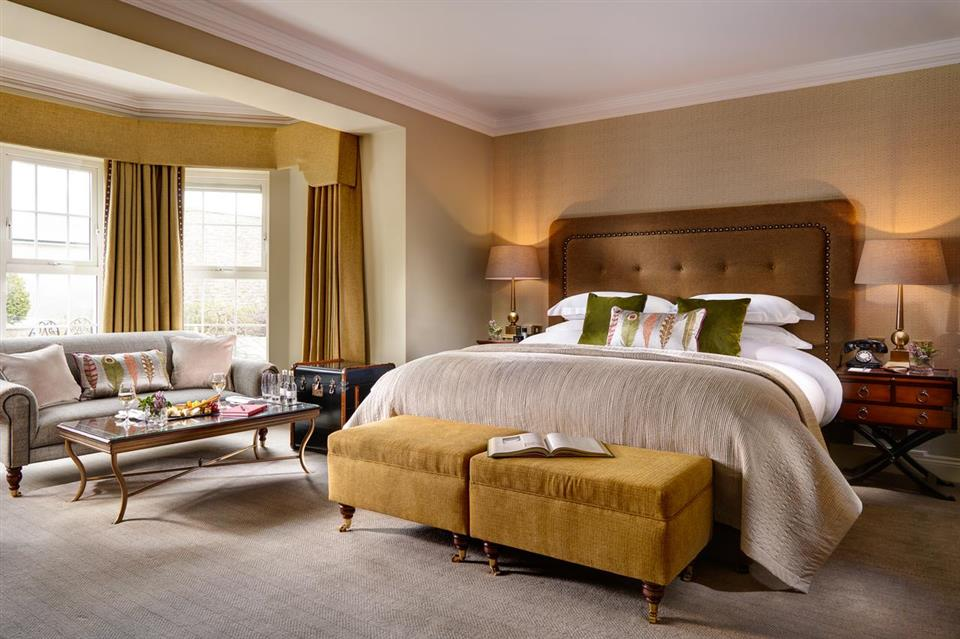 Ballygarry  House Hotel bedroom