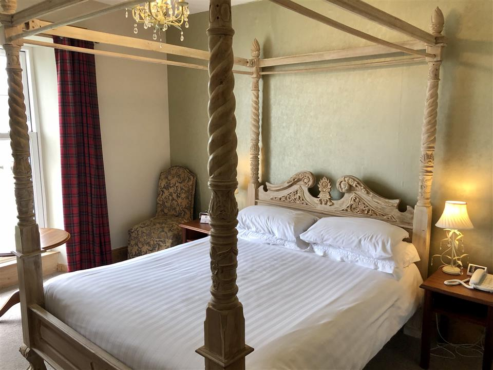 Superior Room with Four Poster Royal Valentia Hotel