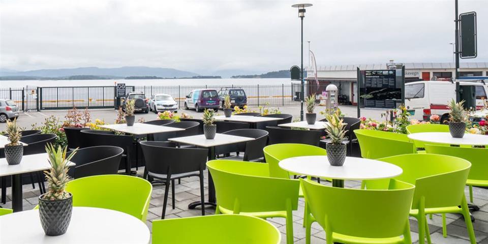 Thon Hotel Moldefjord Uteservering