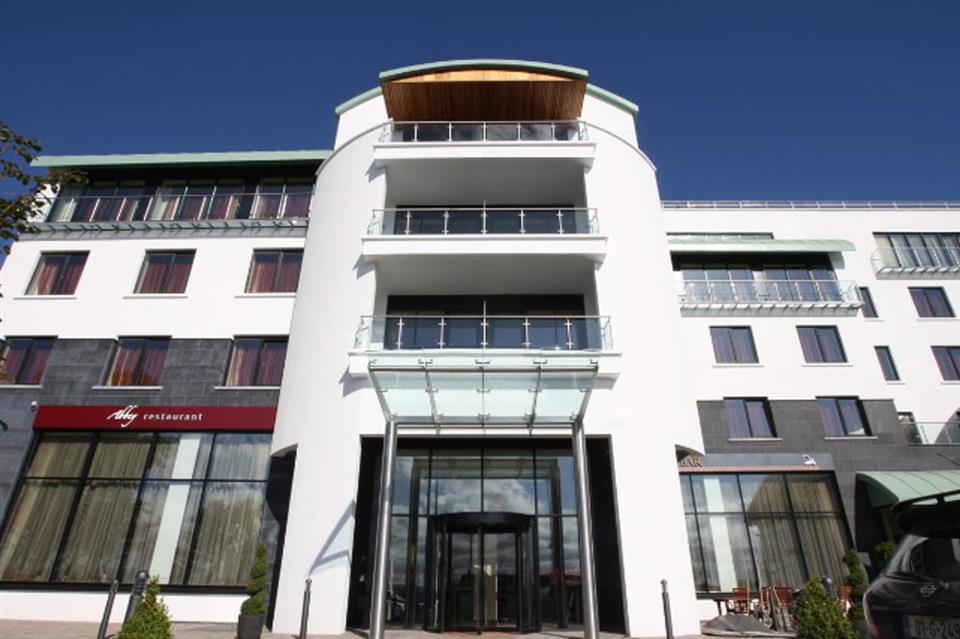 Louhgrea Hotel Exterior