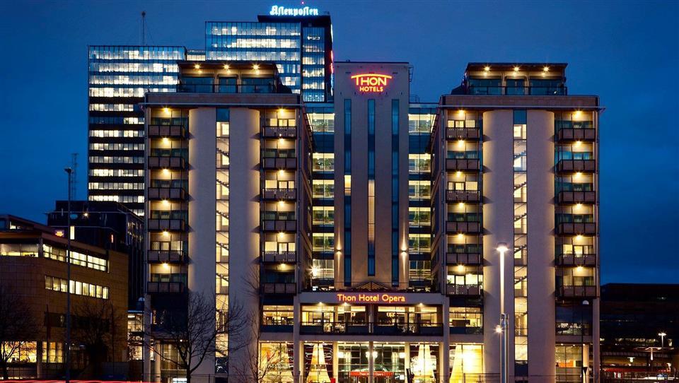 Thon Hotel Opera Fasad Natt