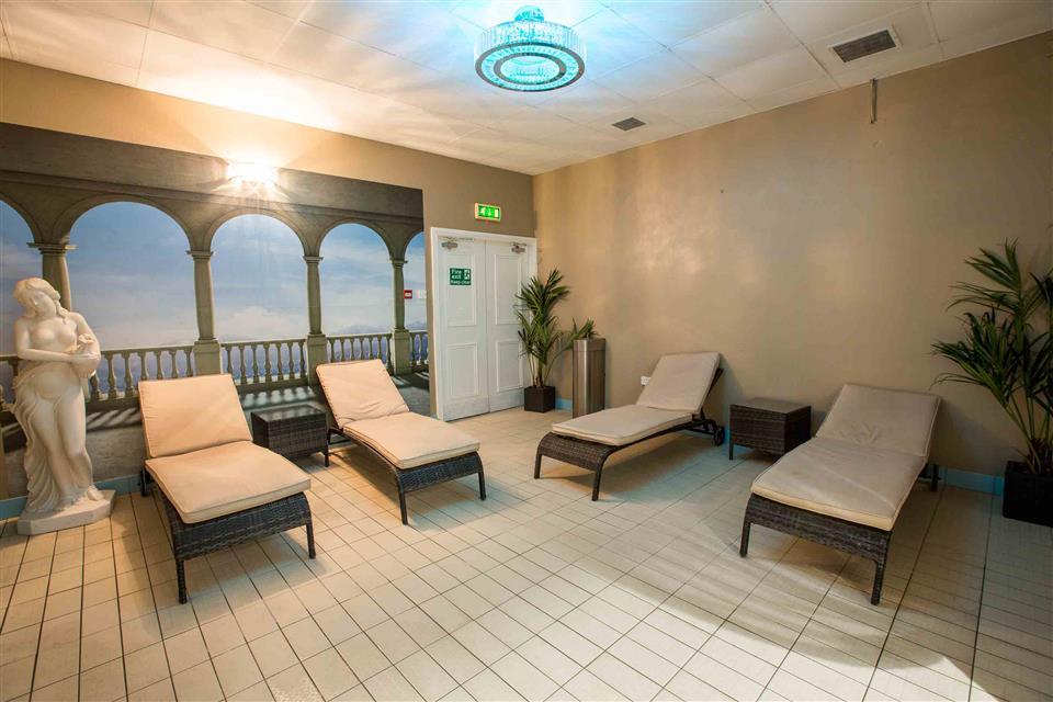 Anner Hotel & Leisure Centre Spa