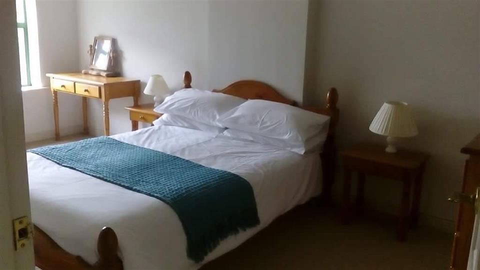 Ardnagashel Holiday Cottage Bedroom