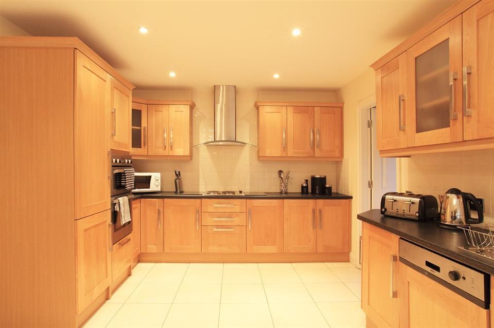 Ardmullen Oak Holiday Homes kitchen