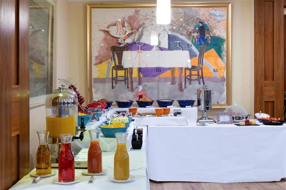 Brooks Hotel Breakfast