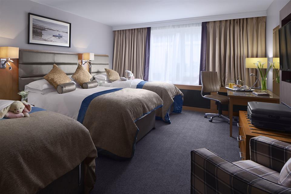 Radisson Blu Hotel Limerick Family Room
