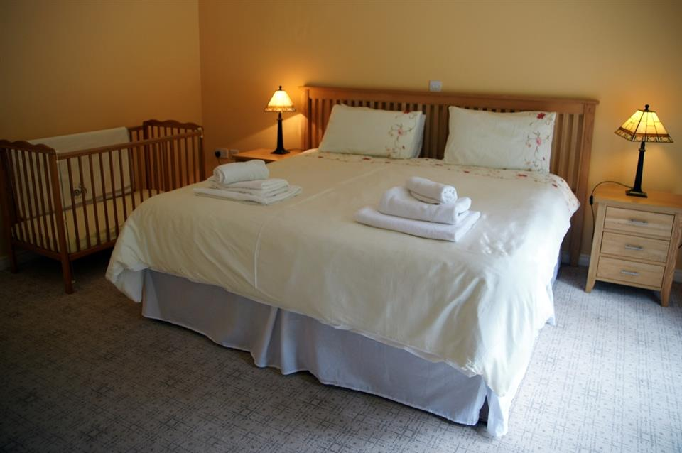 Aashelagh Cottages bedroom