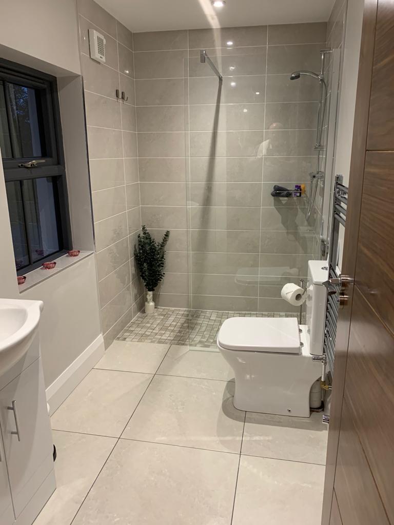 Cloghboola Cottage Bathroom