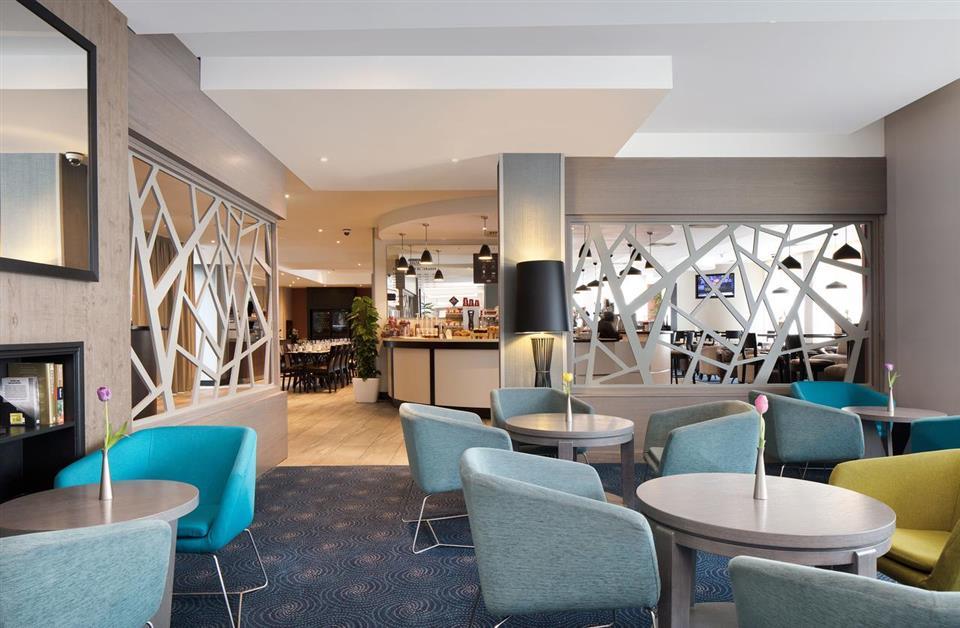 Hilton Garden Inn Bar