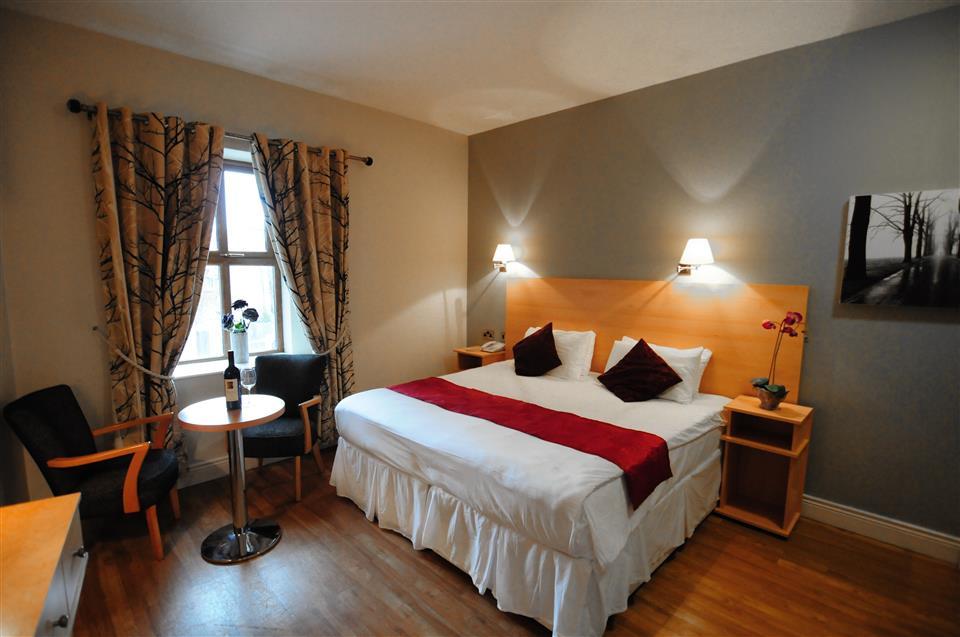 Coach House Hotel Bedroom