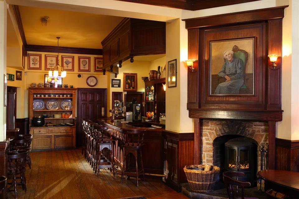 Dingle Benners Hotel - Bar