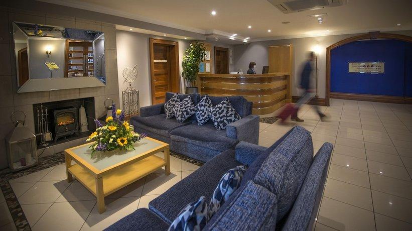 Innisfallen Hotel lounge