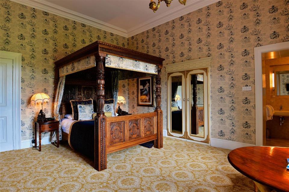 Belleek Castle Hotel Bedroom