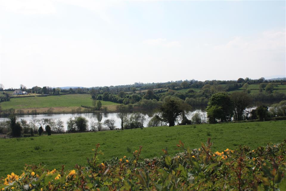 Cassidys Cottages Lake