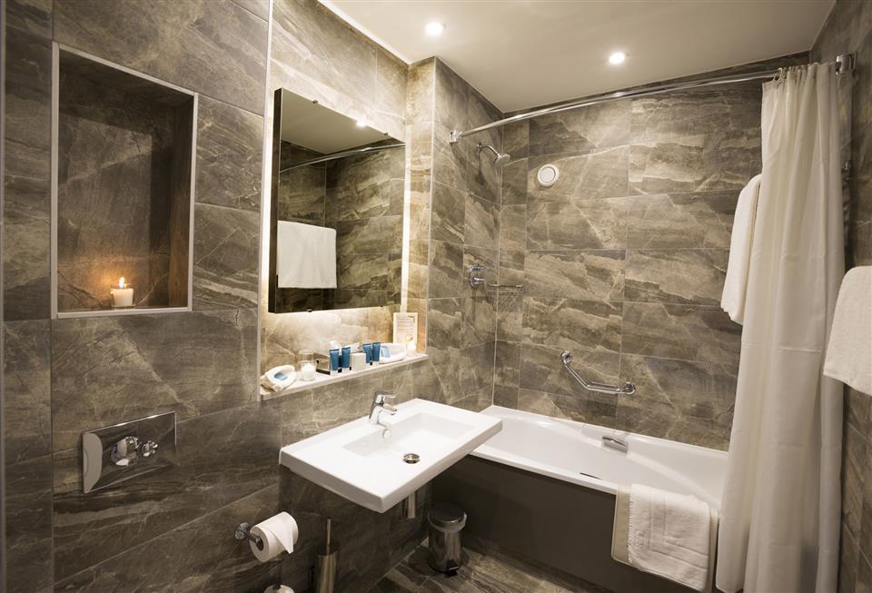 Midleton Park Hotel Bathroom