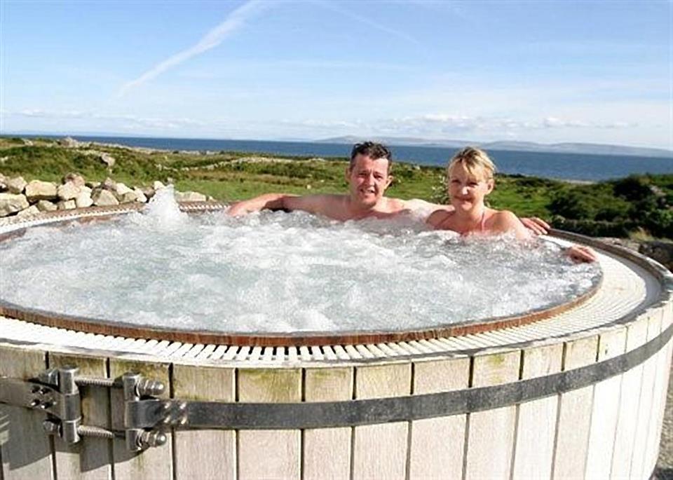 Connemara Coast Hotel Hot Tub