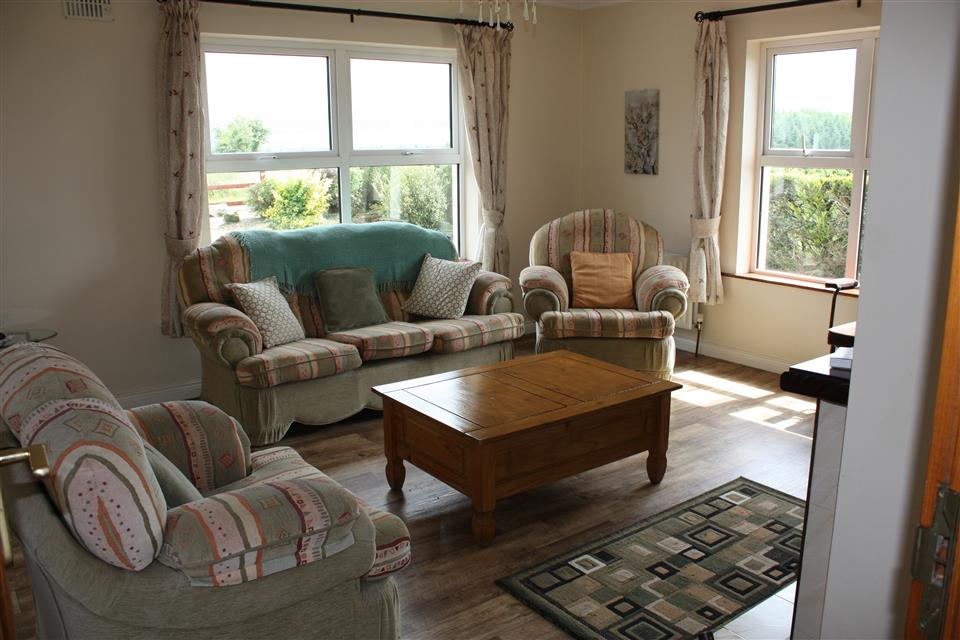 Cassidys Cottages 2bedroom Living room