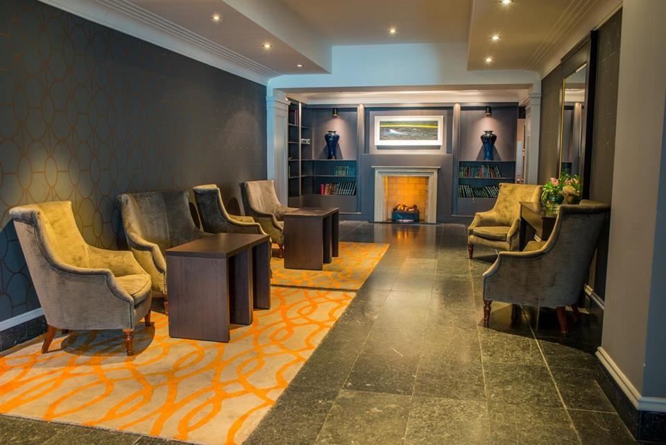 Radisson Blu Hotel Libary