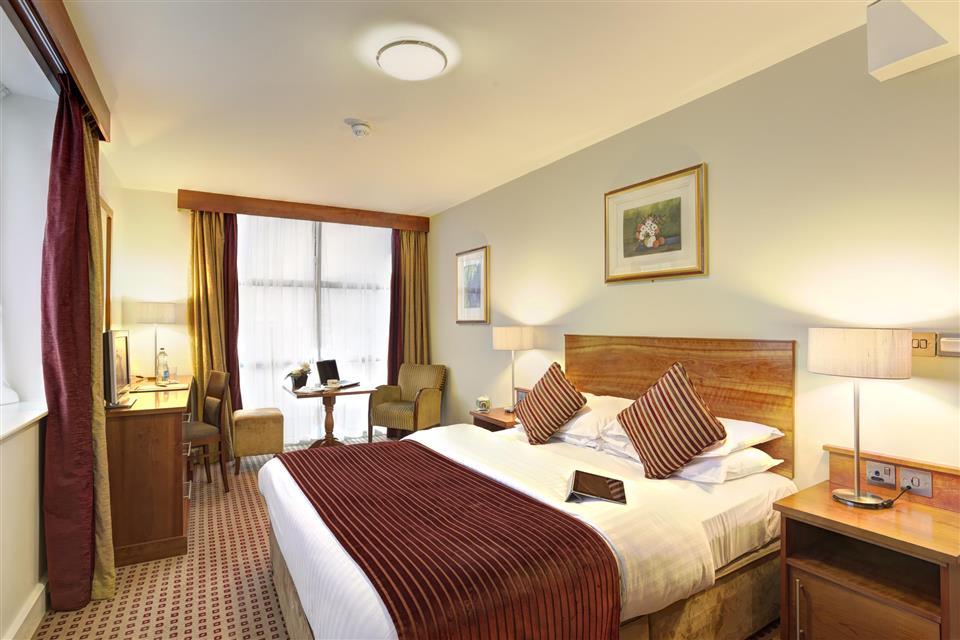 Cassidys Hotel Bedroom