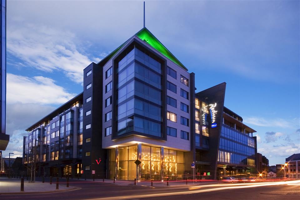 Radisson Blu Royal Hotel Dublin City Exterior
