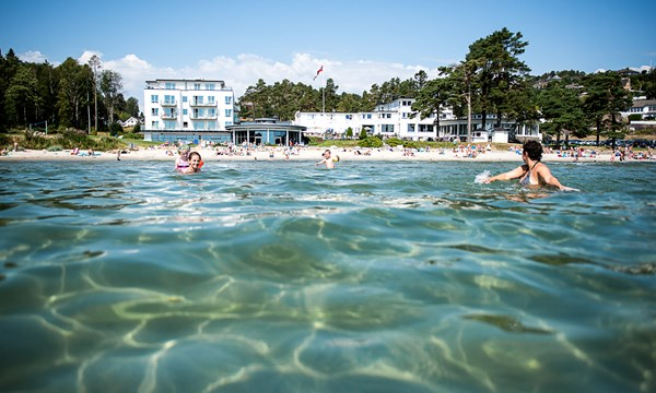 Strand Hotel Fevik Badehotellet