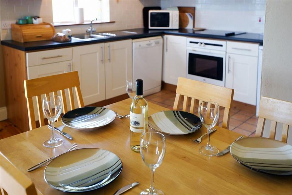 Inch Beach Cottages kitchen