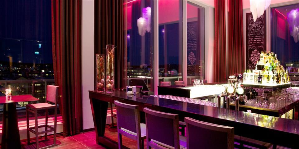Clarion Hotel Sense Bar