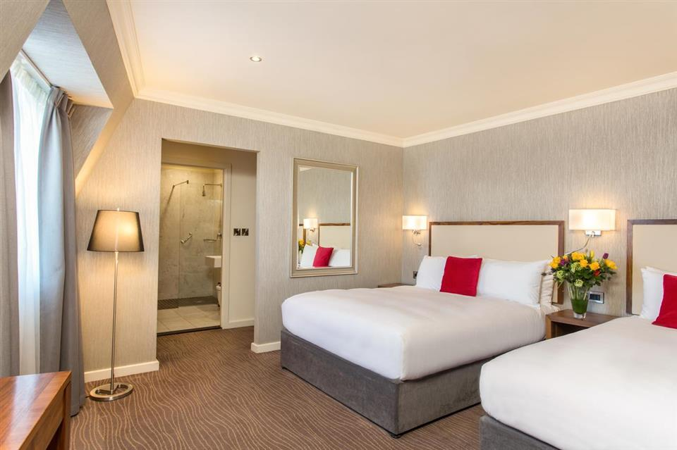 Eyre Square Hotel Bedroom