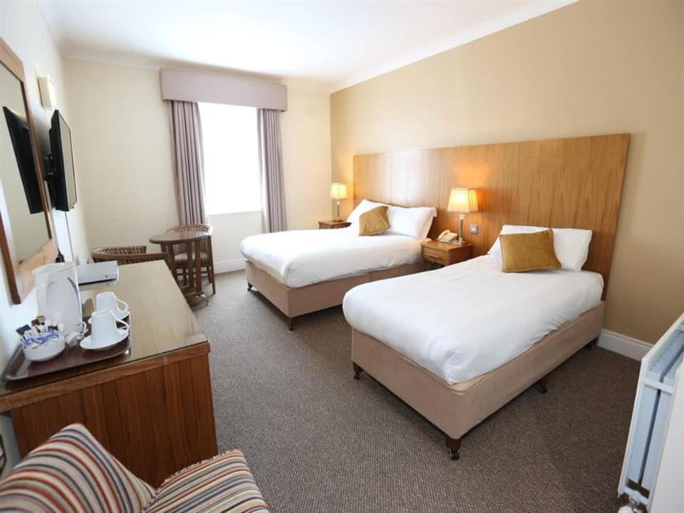 Auburn Lodge Hotel Twin Room