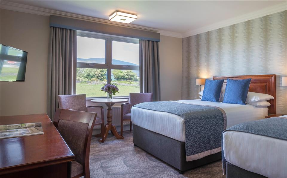 Dingle Skellig Hotel Classic bedroom