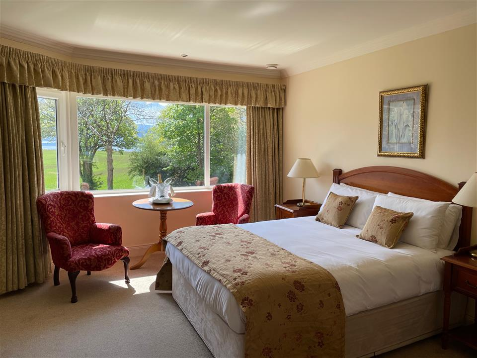 Loch Lein Country House bedroom