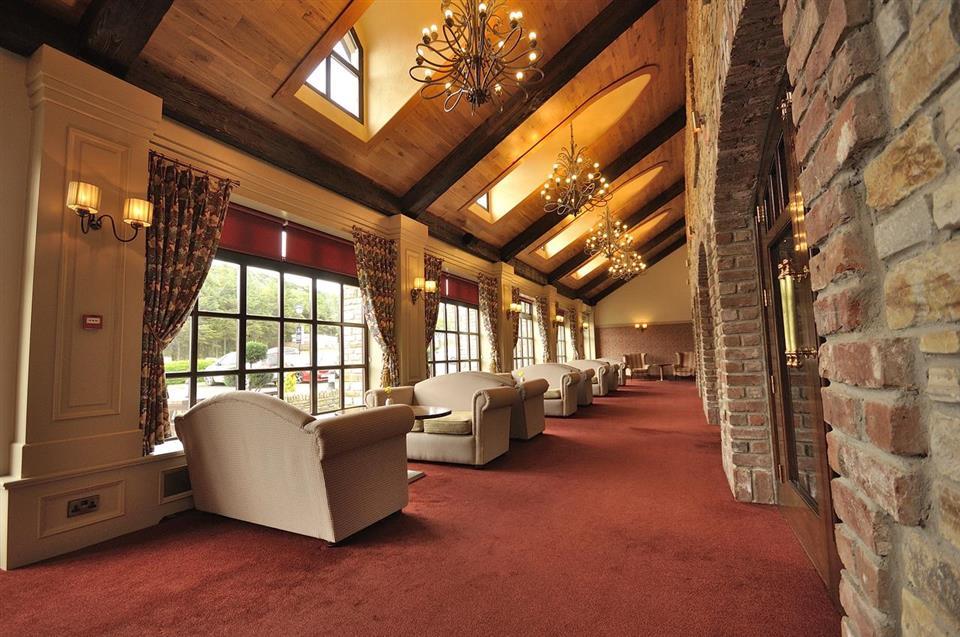 Mulroy Woods Hotel Lounge