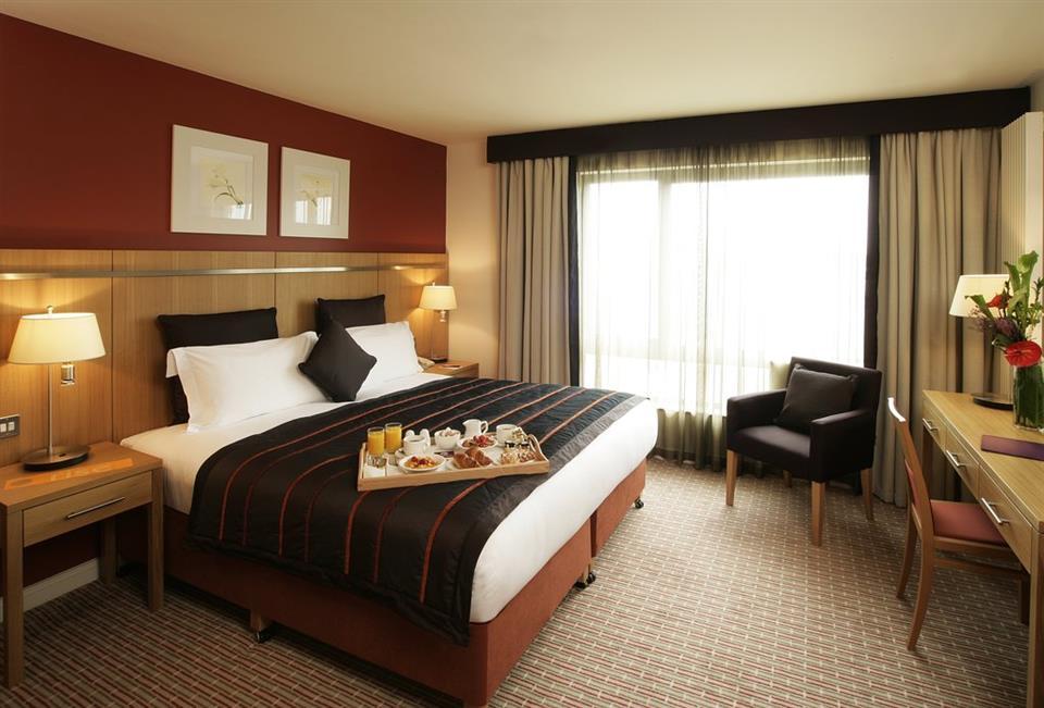 Clayton Hotel Liffey Valley Hotel Bedroom
