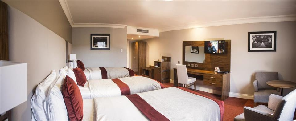 Canal Court Hotel Bedroom