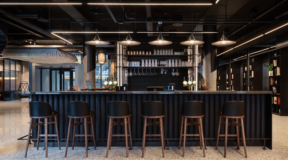 Quality Hotel River Station Bar